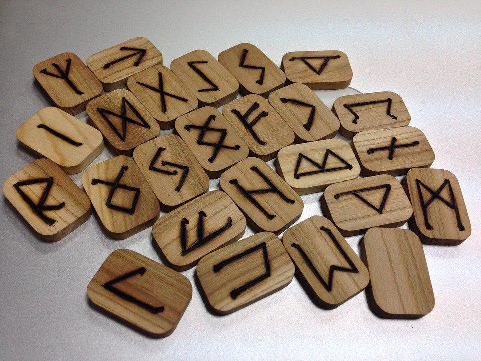 runes-1474991_960_720.jpg